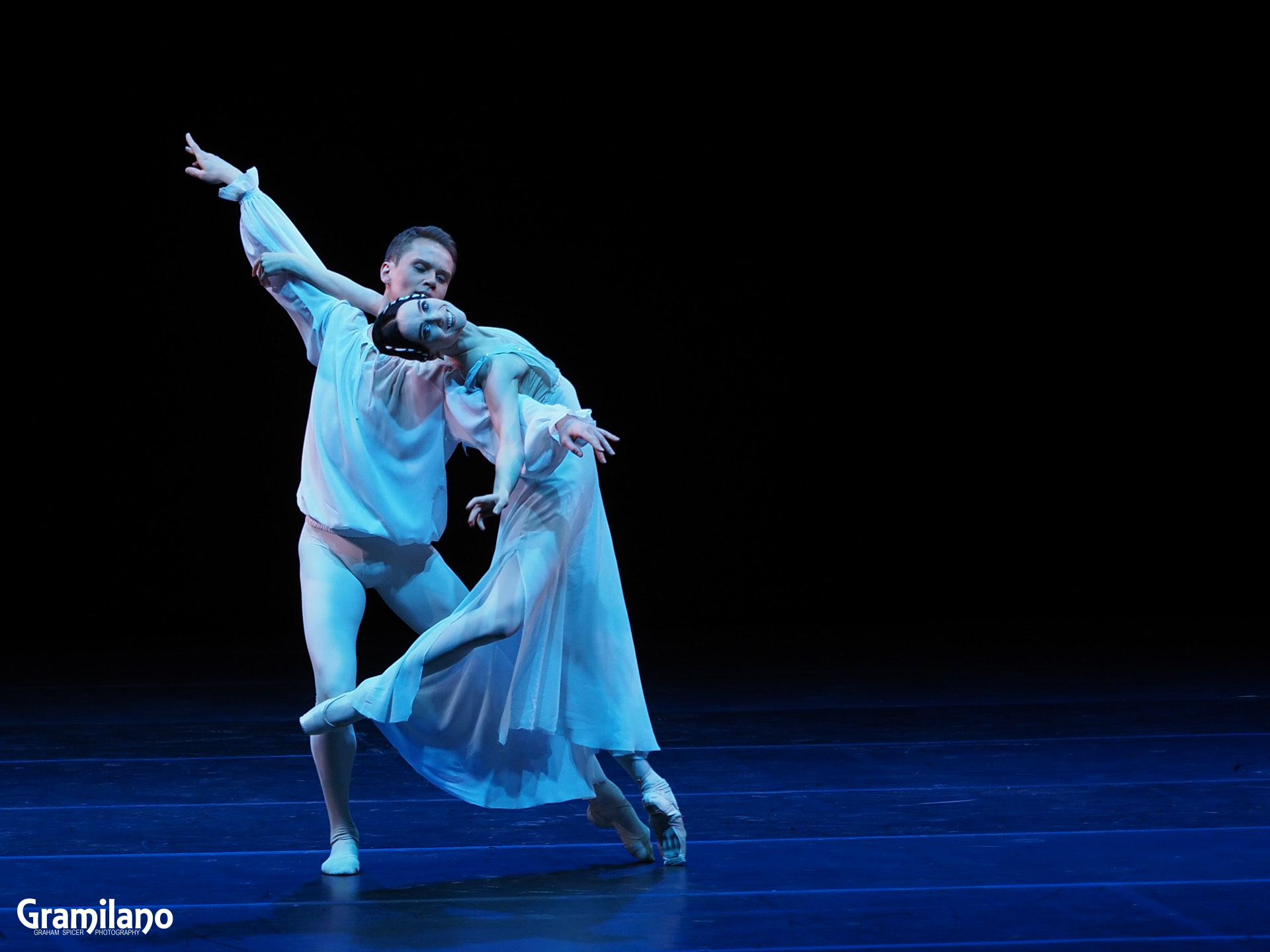 Leonid Sarafanov and Olesya Novikova in Romeo and Juliet